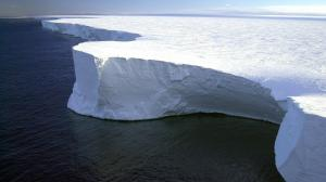 iceberg-79389_1280