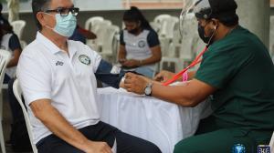 Los integrantes del Guayaquil City fueron los primeros en vacunarse.