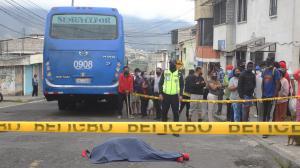 El hecho se registró en la calle Galo Plaza, en un sector conocido como la Etapa E, al norte de Carapungo. El hombre no fue identificado.