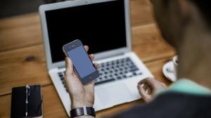 Según la Policía los sospechosos se dedican a dedican a la producción, almacenamiento, descarga, distribución y comercialización mediante portales Web