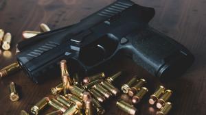 Los policías fueron llevados al hospital de la institución tras recibir disparos en el sur de Quito.