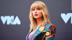 Taylor Swift relanza su disco Red.