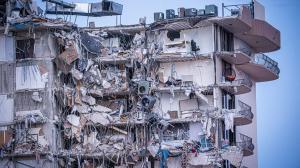 35 personas fueron rescatadas por los balcones del edificio, según fuentes oficiales.