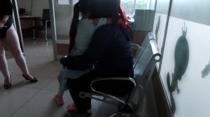 La pequeña y su mamá acudieron a la Fiscalía para denunciar el abuso sexual.