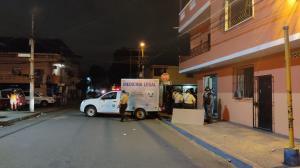 Dentro de un local fueron atacados cuatro hombres. La Policía investiga este reciente hecho.