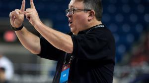 John-Escalante-entrenador-baloncesto-luto