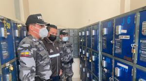 Agentes policiales hicieron la requisa en la cárcel El Inca.
