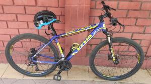 El sospechoso fue detenido mientras huía en la bicicleta del agente.