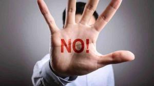 """Decir """"no"""" no significa que eres malcriado, sino que valoras tu tiempo y prioridades en el trabajo."""