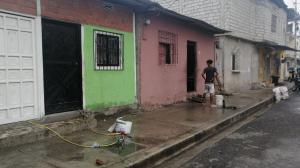 En esta casa, de color verde, veían las víctimas el partido que disputaba Ecuador contra Chile.