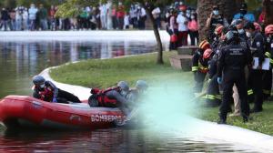 Las unidades de emergencia se demoraron cerca de dos horas en extraer el cuerpo de la laguna