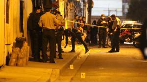 En este callejón ocurrió la balacera. La Policía halló 17 indicios balísticos.