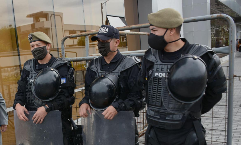 policia nacional (32496195)