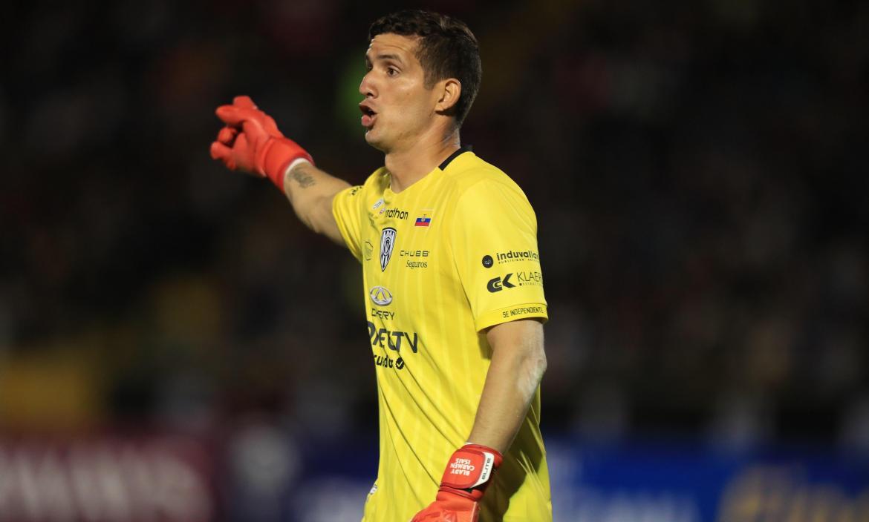 Jorge-Pinos-arquero-Independiente-TécnicoUniversitario