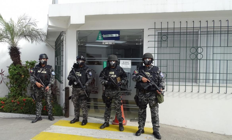 Durante el allanamiento al hospital Básico del Instituto Ecuatoriano de Seguridad Social de Durán.