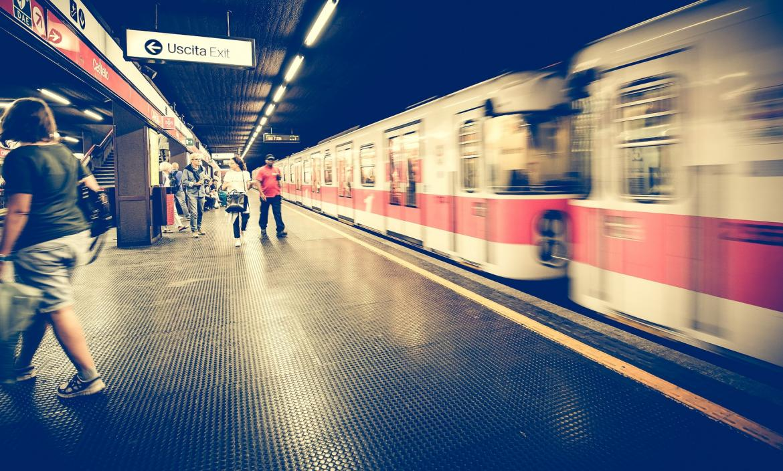 metro estación millán Italia