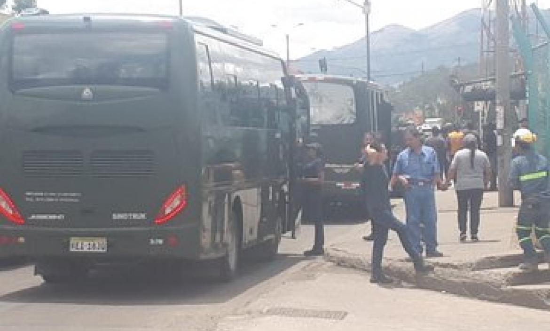 Imagen militares buses