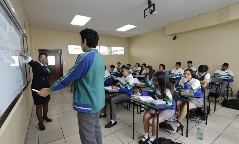 CLASES EN LAS INSTITUCIONES EDUCATIVAS ALTERADAS POR EL PARO NACIONAL EN CONTRA LAS MEDIDAS ECONÓMICAS DEL GOBIERNO
