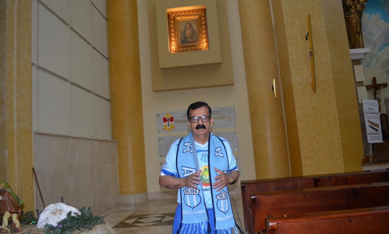 Imagen Manuel es un devoto de la Virgen la (28473548)