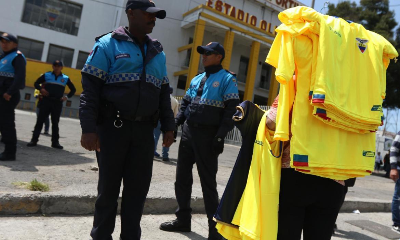 COMERCIO Y VENTA DE BOLETOS PARA EL PARTIDO ENTRE ECUADOR Y BRASIL