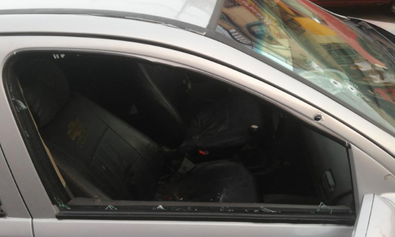 En este vehículo se movilizaba Carlos Alfonso Fuentes Gómez cuando fue asesinado.