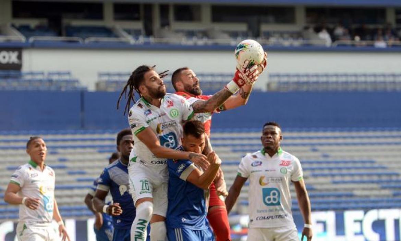 Emelec y Liga de Portoviejo aún no se hacen daño en sus porterías.
