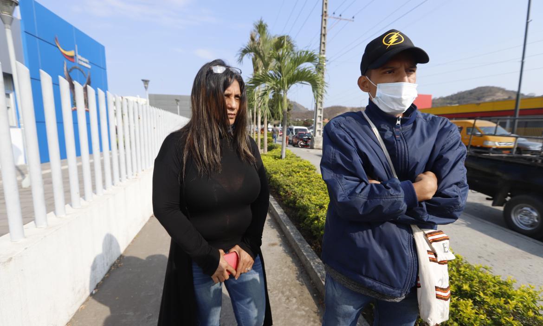 Margarita Minaya (suegra) y Geovanny Pilay (hermano), familiares de la fallecida, relataron como ocurrió el crimen de su ser querido.