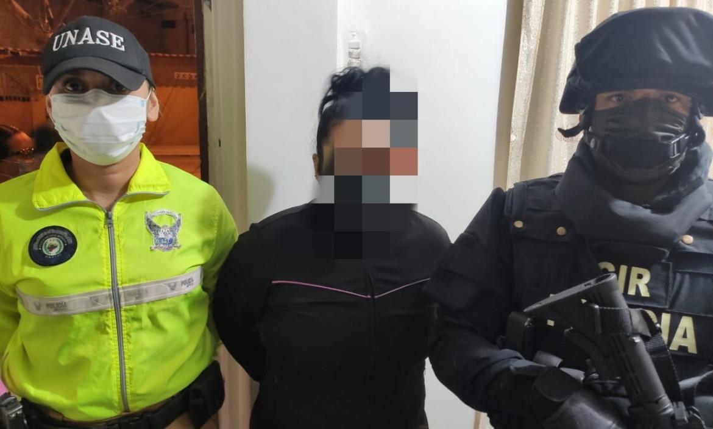 Entre los sospechosos están dos mujeres. A ellas se les emitió medidas alternativas a la prisión por su estado de gestación y afectación cardíaca.