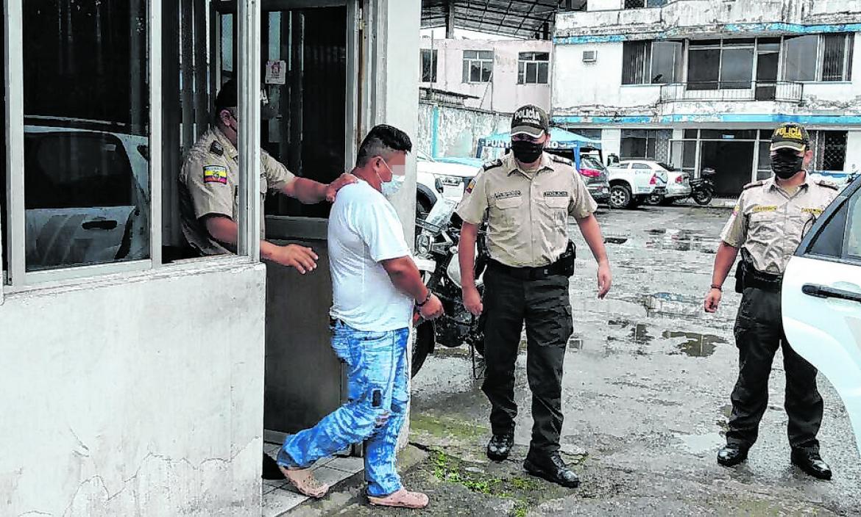 El presunto secuestrador fue llevado a la Fiscalía para que rindiera su versión.