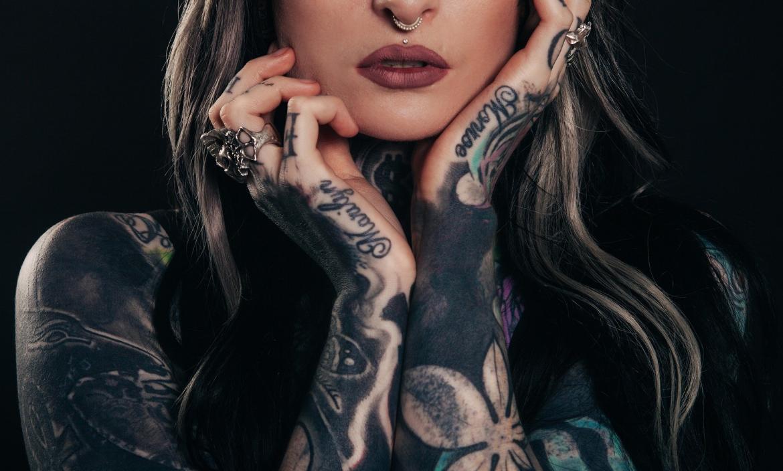 Los tatuajes son considerados como arte andante.