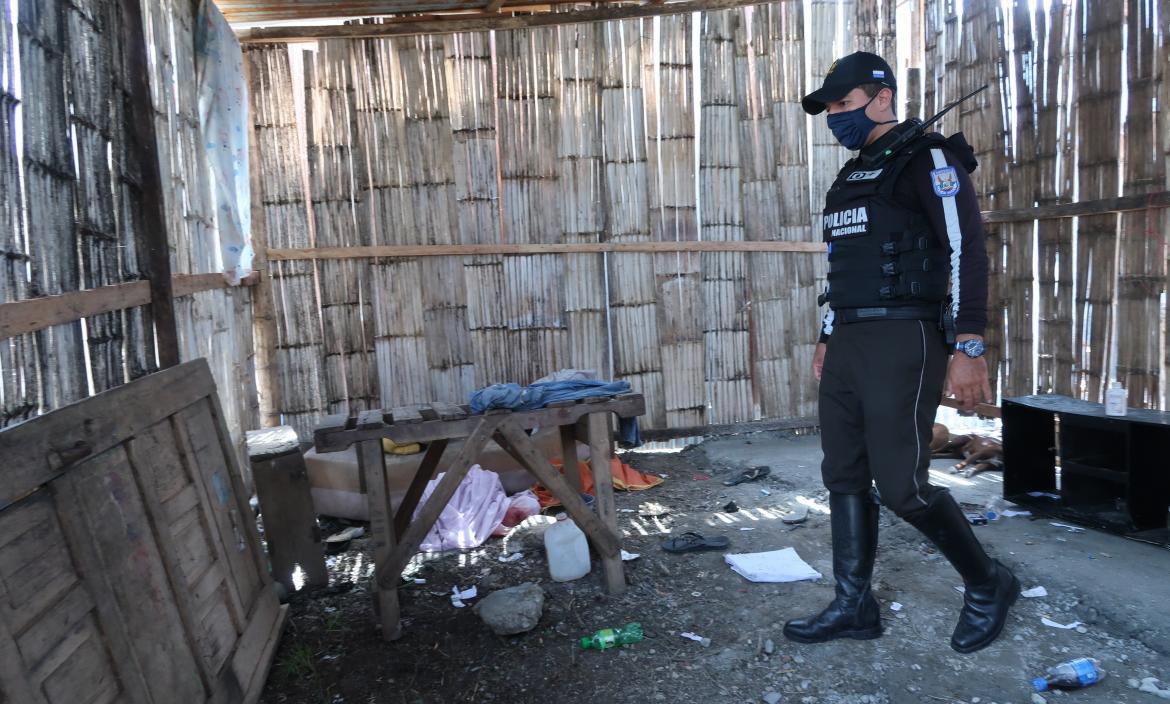 aren Muñoz, su hija Melody Sánchez y Juan Carlos Veloz fueron asesinados en este inmueble de piso de tierra y paredes de caña.