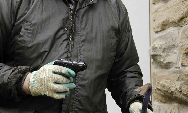 Los ladrones prefieren usar capuchas para esconderse de sus víctimas.