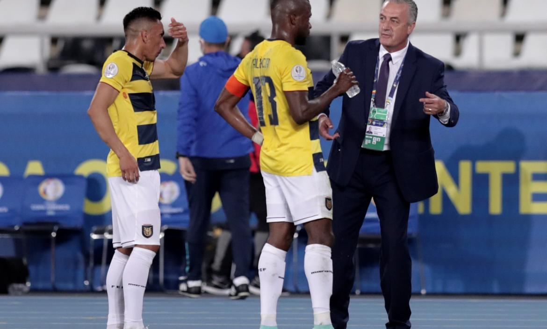 Gustavo-Alfaro-Ecuador-Venezuela-Copa-América