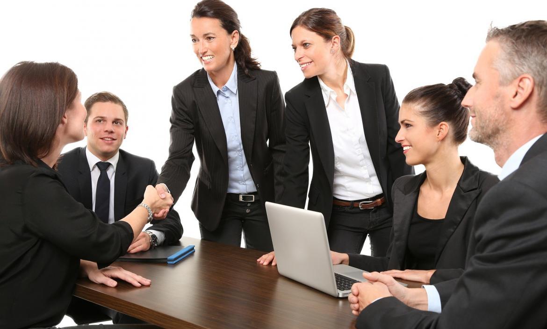 Los practicantes deben marcar buenos precedentes para poder, en un futuro, trabajar en la empresa donde realizaron sus pasantías.