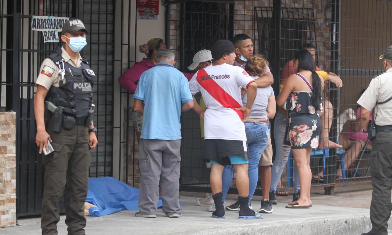 Roxana León Gómez fue ejecutada a una cuadra de su domicilio.