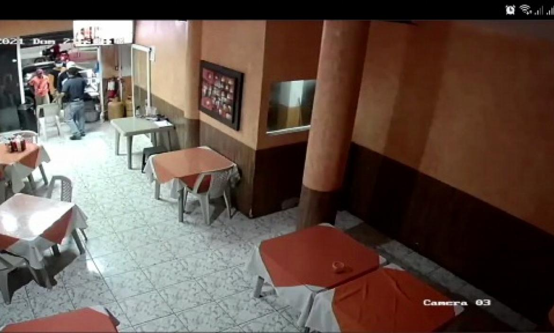 Los detenidos habrían participado en el robo en un asadero.