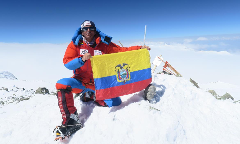 Santiago-Quintero-montañista-Leopardo-nieves