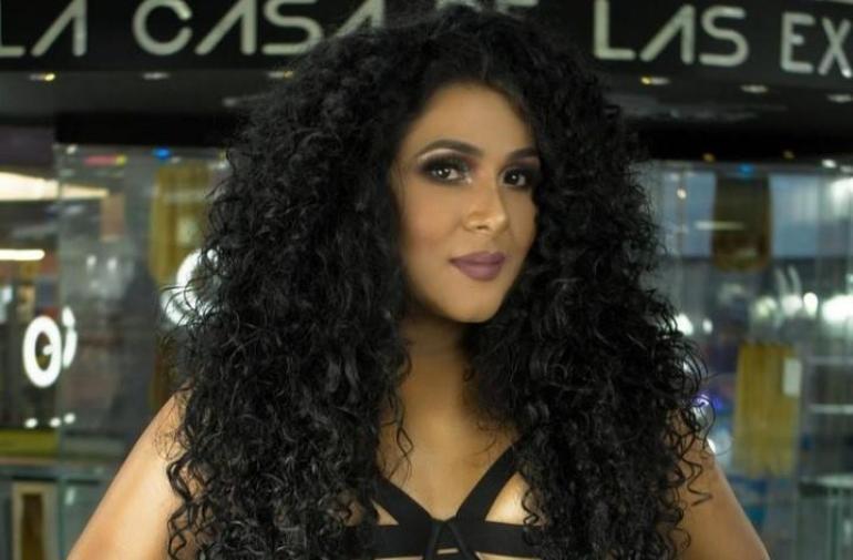 Lila Flores es cantante ecuatoriana.