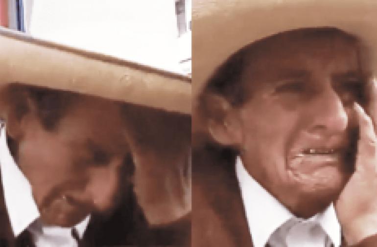 Anciano llora porque sus hijos le piden herencia en vida.