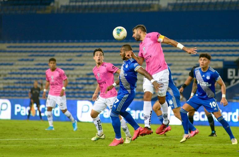 Emelec e Independiente del Valle empatan 2-2 en Guayaquil.
