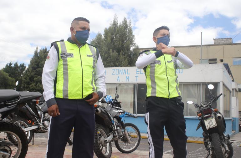 Agentes de tránsito - Suicidio - Quito