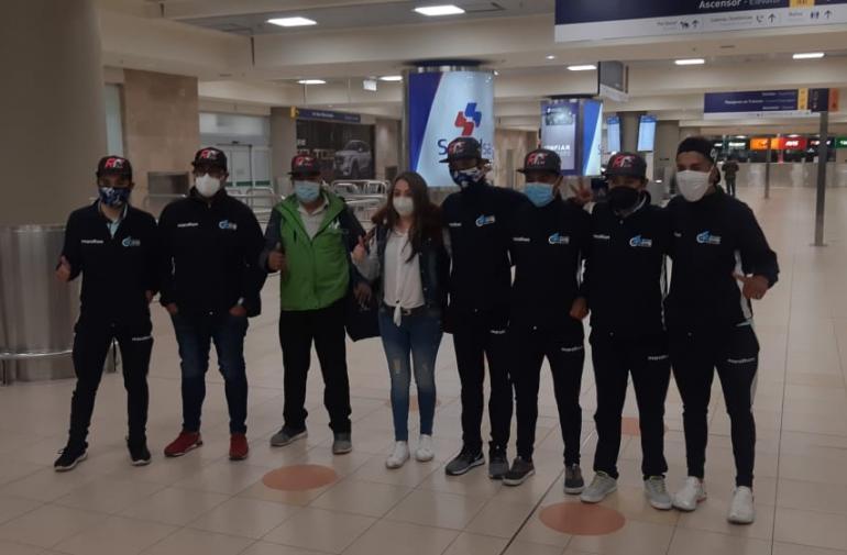 Richie fue recibido por su padre, Antonio Carapaz, en el aeropuerto de Tababela.