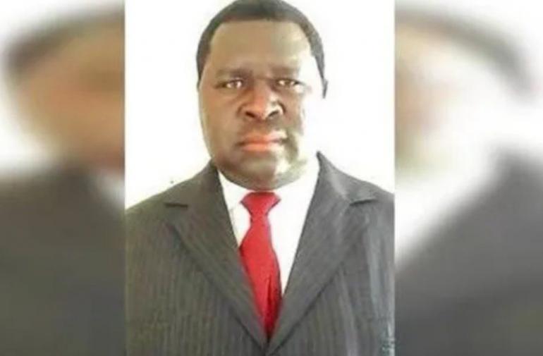 Adolf Hitler gana las elecciones de Namibia.