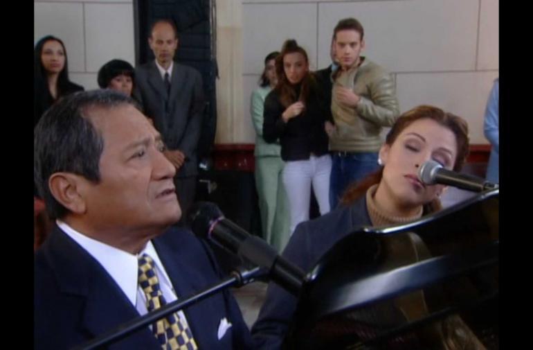 Manzanero tocó el piano en la boda de Betty, la fea.