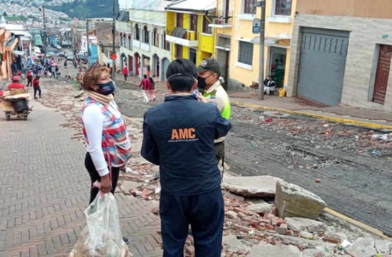 Sancionados - Quito - Basura