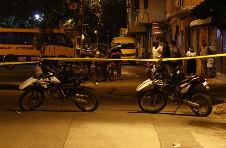 La noche del domingo dos personas fueron baleadas en la ciudadela Primavera 2. La noche anterior se registró otro hecho en la vía a Durán-Tambo.