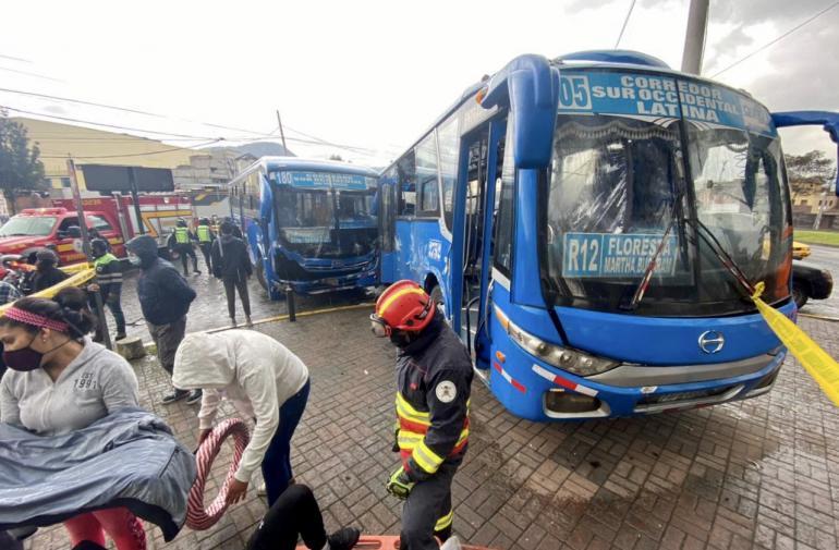 Choque buses
