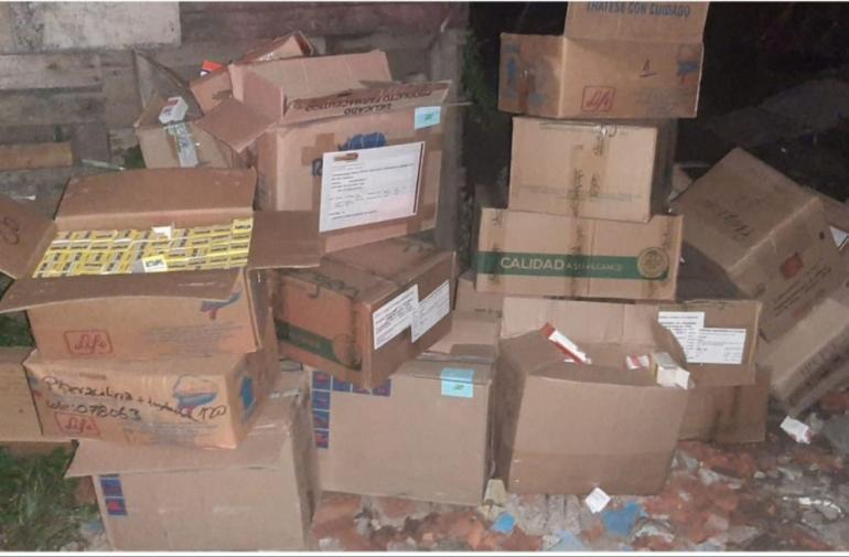 Los fármacos fueron llevados en cartones.