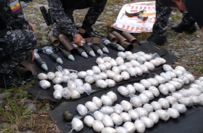 La Policía encontró dentro del vehículos 119 explosivos y 8 morteros.