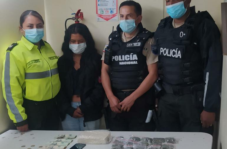 Droga - Detenida - Carcelén